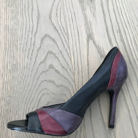 Leather patterned pumps